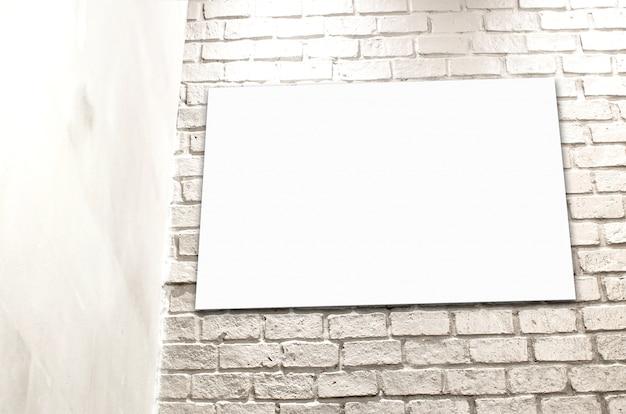 Poster pendurado na parede de tijolos branco no conner do quarto, plano de fundo