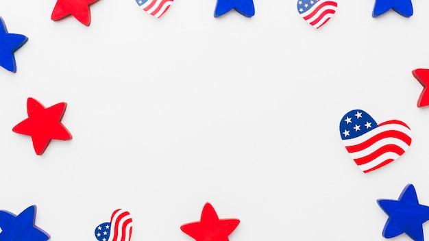 Postura plana de bandeiras americanas e estrelas