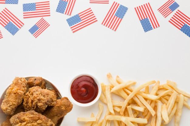 Postura plana de comida americana com espaço de cópia