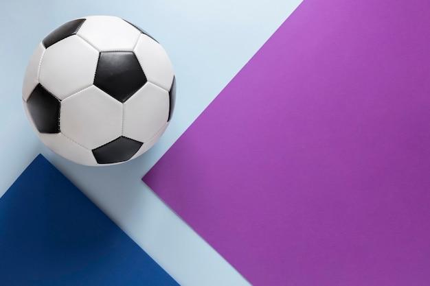 Postura plana de futebol com espaço de cópia