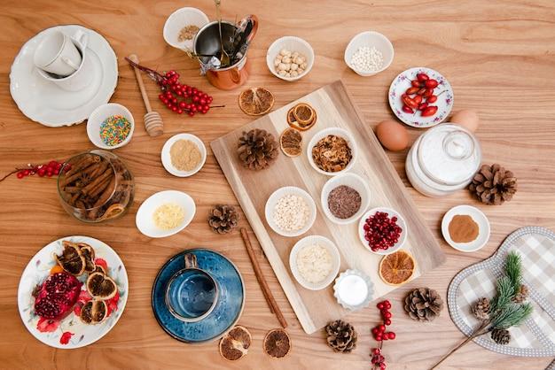 Postura plana de ingredientes de decoração de bolo