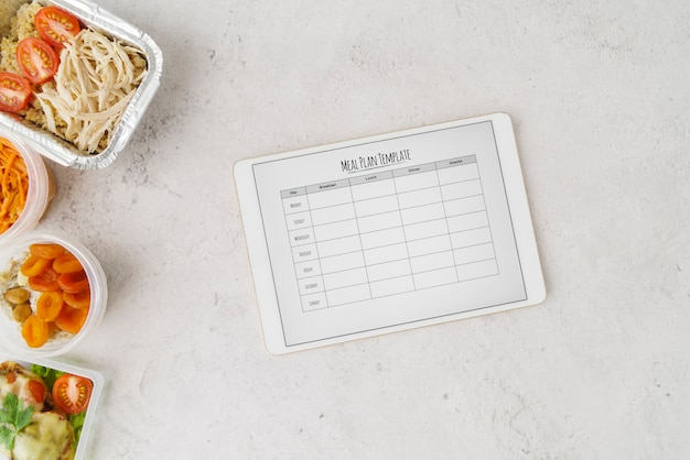Postura plana de modelo de plano de menu de comida