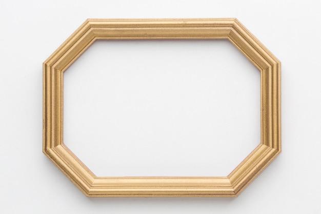Postura plana de moldura de madeira com espaço de cópia