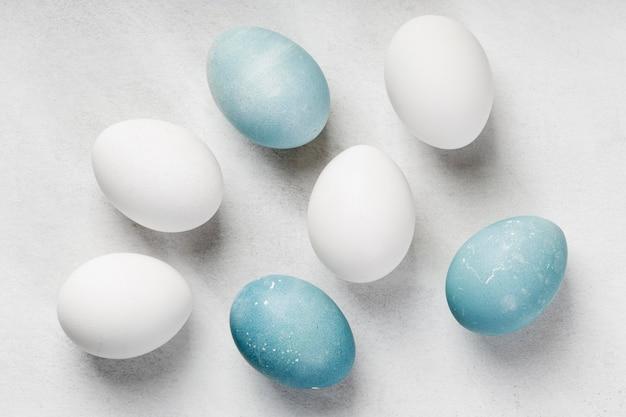 Postura plana de ovos de páscoa