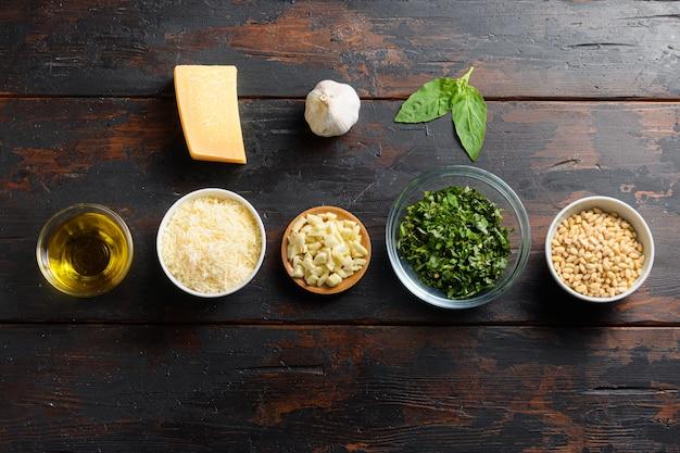 Postura plana do conceito de comida saudável ou ingredientes para cozinhar pesto