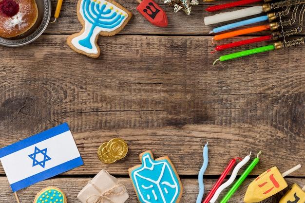 Postura plana do conceito de hanukkah com espaço de cópia