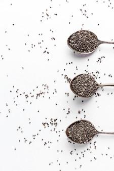 Postura plana do conceito de sementes de chia