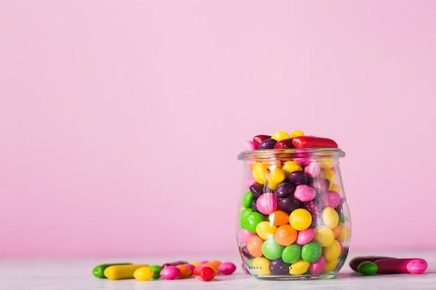 Pote com doces