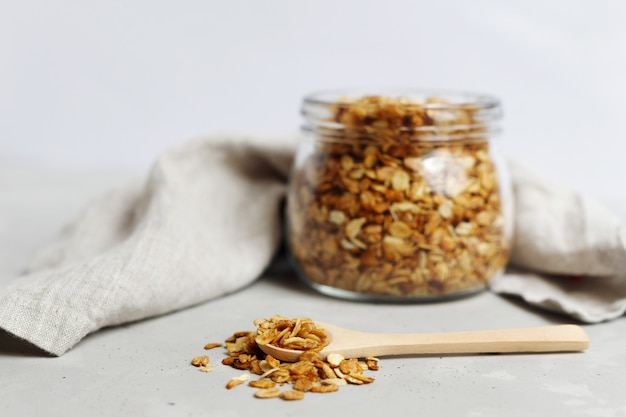 Pote de granola de aveia caseira