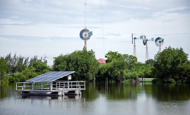 Potência elétrica verde com célula solar e turbina eólica