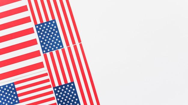 Poucas bandeiras americanas unidas