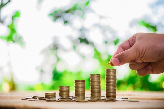 Poupança, aumentando colunas de moedas
