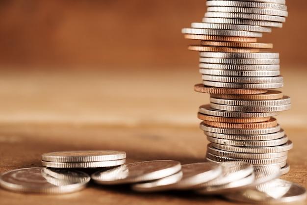Poupar dinheiro e banca para o conceito de finanças