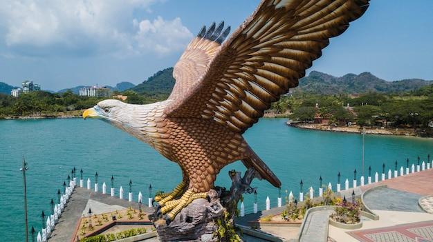 Praça da águia na ilha de langkawi, malásia