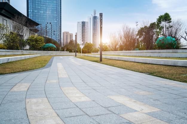 Praça da cidade de fuzhou e edifícios modernos