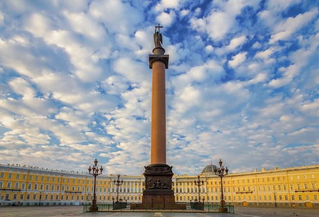 Praça do palácio da manhã, são petersburgo, rússia