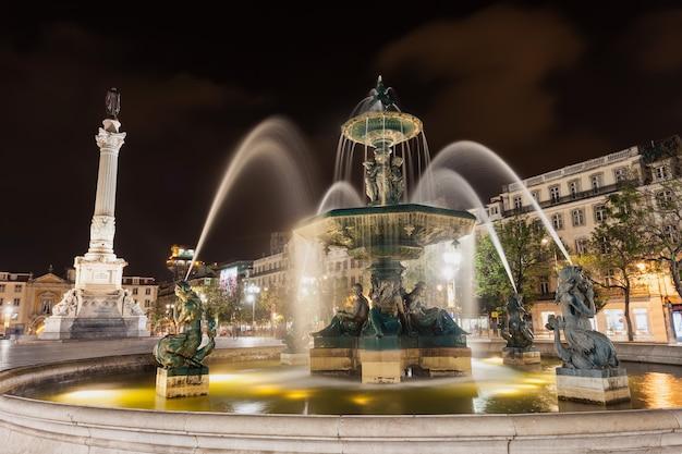 Praça do rossio (praça pedro iv) na cidade de lisboa, portugal