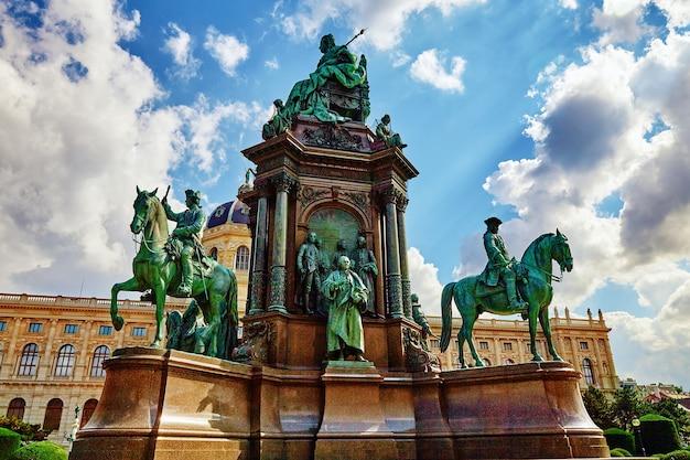 Praça maria teresa. monumentos da grande imperatriz da áustria-maria teresa. viena, áustria.