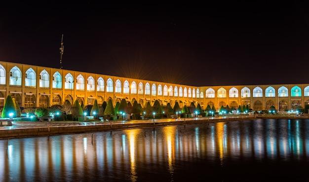 Praça naqsh-e jahan em isfahan - irã