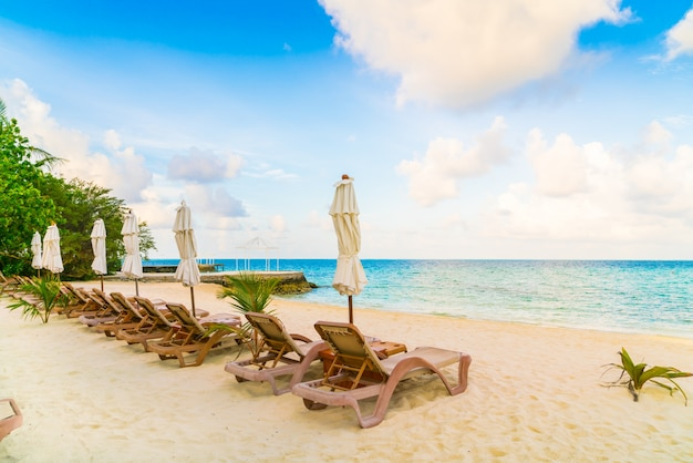 Praia, cadeiras, guarda-chuva, maldivas, ilha, branca, arenoso, praia, mar