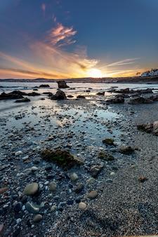 Praia da torre de la sal, casares, málaga, espanha