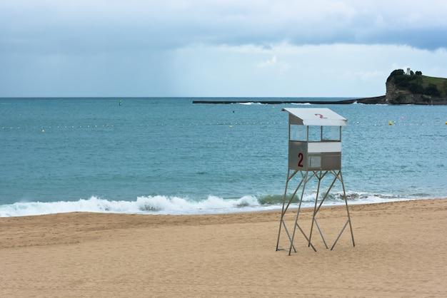 Praia de areia de saint-jean-de-luz na frança