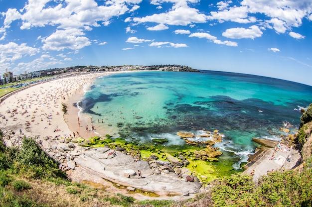 Praia de bondi, sydney, austrália.