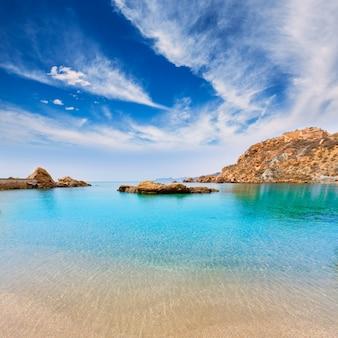 Praia de cartagena cala cortina em murcia, espanha