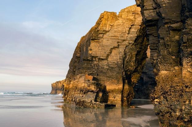 Praia de las catedrales, costa norte de ribadeo, lugo, galiza, espanha