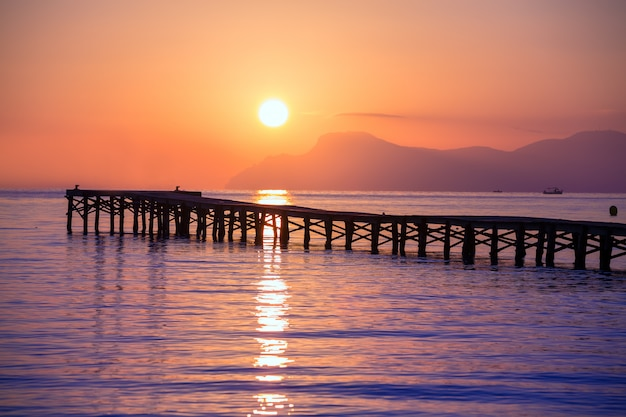 Praia de maiorca muro nascer do sol alcudia bay mallorca