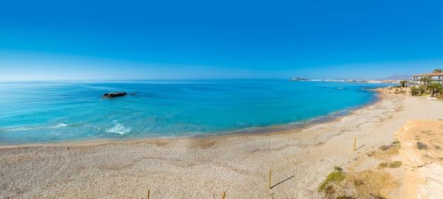 Praia de mazarron em múrcia espanha no mediterrâneo