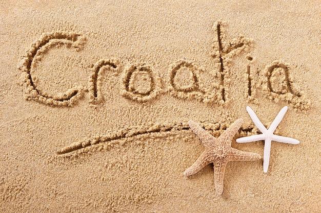 Praia de verão croácia escrevendo mensagem