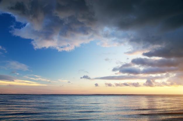 Praia do céu azul