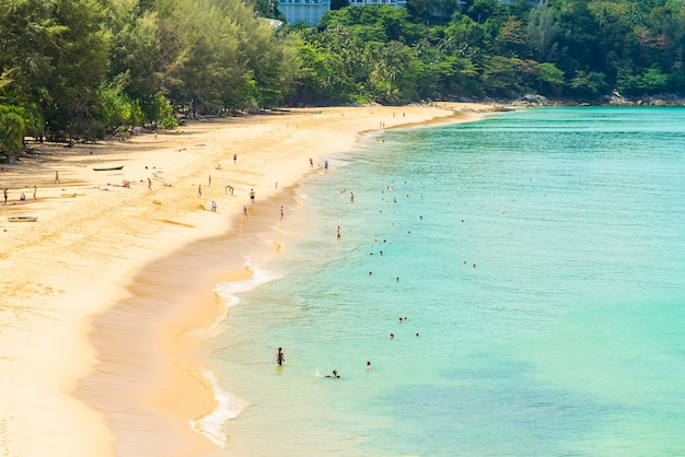 Praia do mar tropical