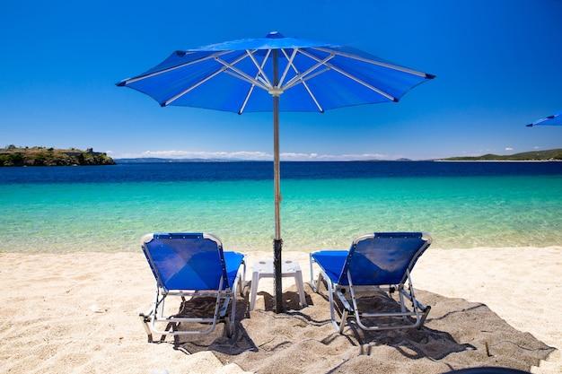 Praia dourada na grécia