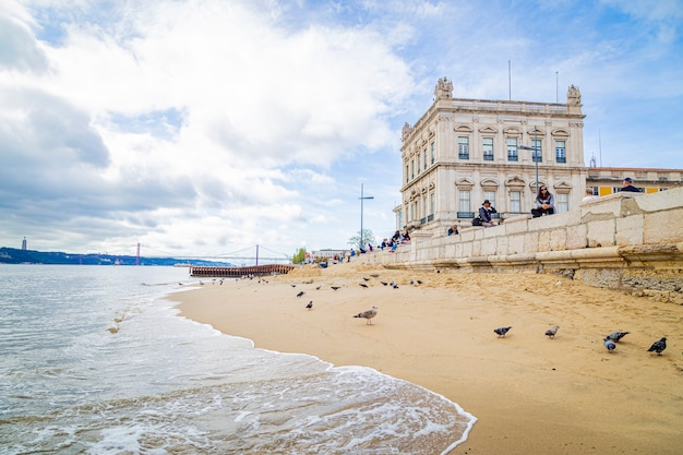 Praia em lisboa: praã§a do comercio portugal, 12 de novembro de 2019