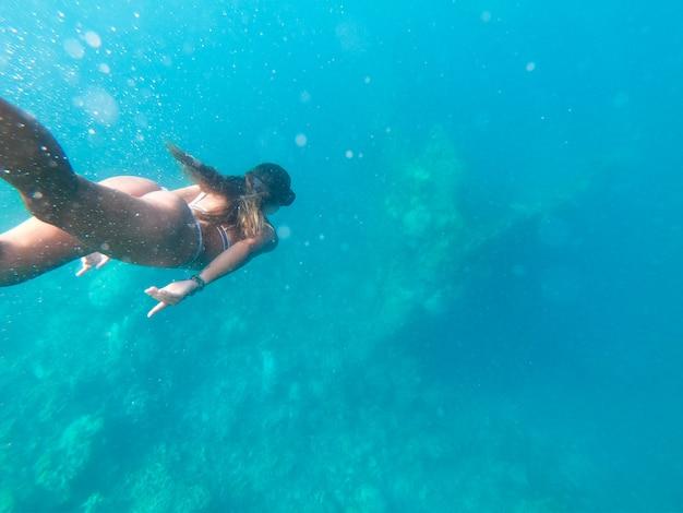 Praia tropical em coron, filipinas