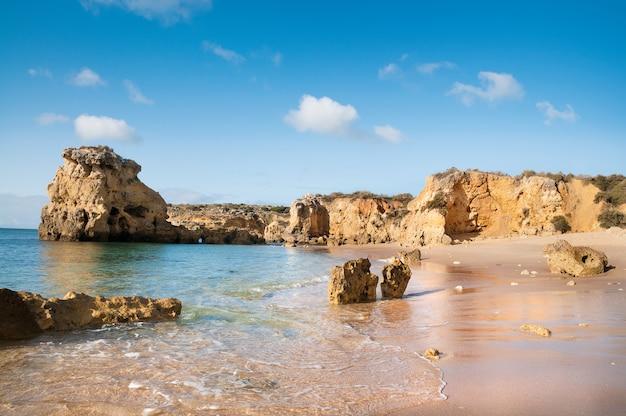 Praias douradas de albufeira, portugal