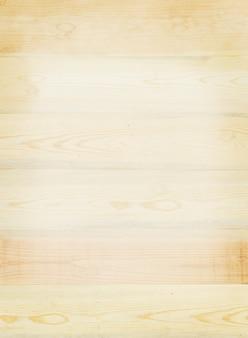 Prancha de madeira castanho claro