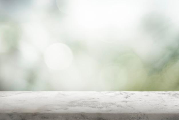 Prancha de madeira rústica em fundo de produto natural