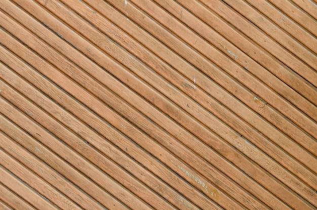 Pranchas vintage marrons dispostas na diagonal
