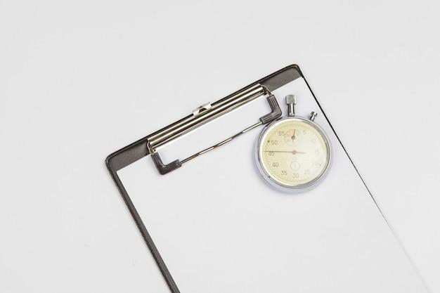 Prancheta com cronômetro