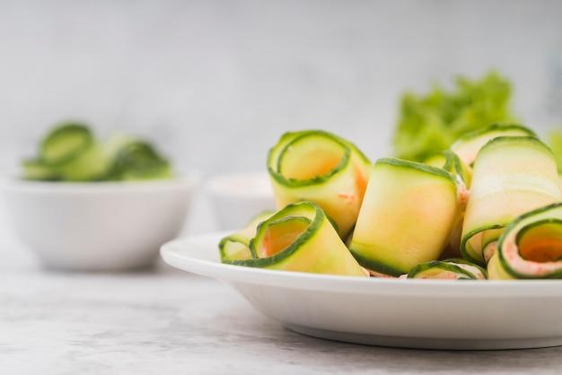 Prato com legumes frescos