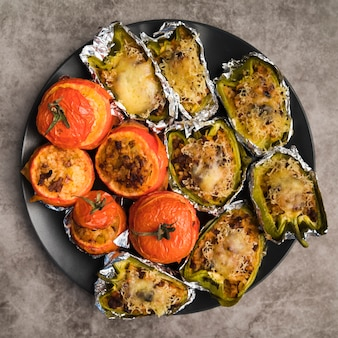 Prato com legumes recheados