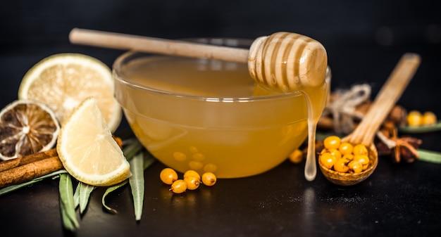 Prato com mel closeup