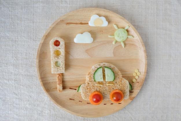 Prato de almoço de carro, arte de comida divertida para crianças