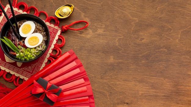 Prato de ano novo chinês de vista superior