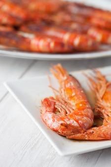 Prato de camarão assado
