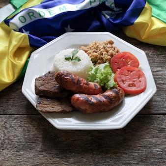 Prato de churrasco brasileiro.