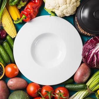 Prato de close-up em vegetais